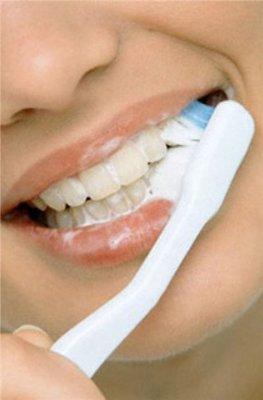 белизна зубов с помощью соды